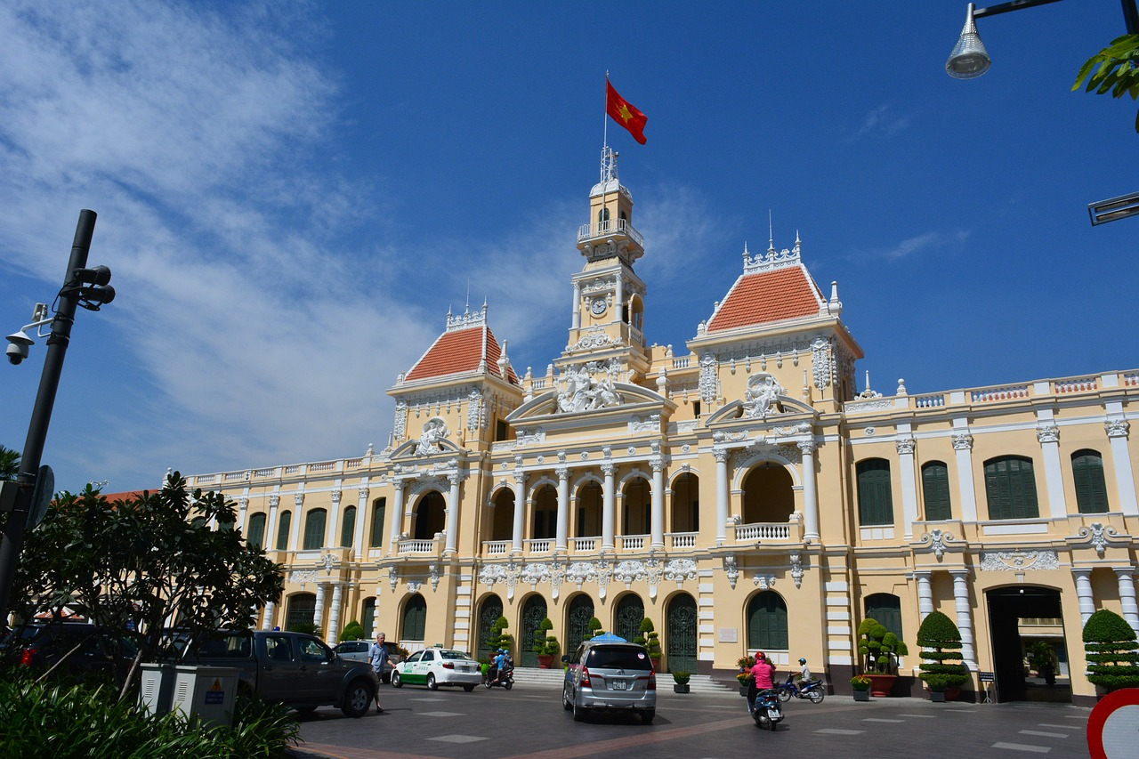 guide tour saigon